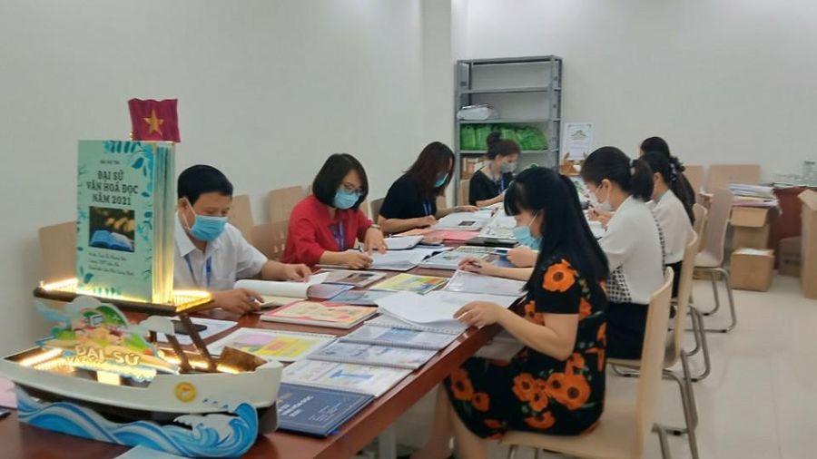 Chấm sơ khảo cuộc thi Đại sứ Văn hóa đọc