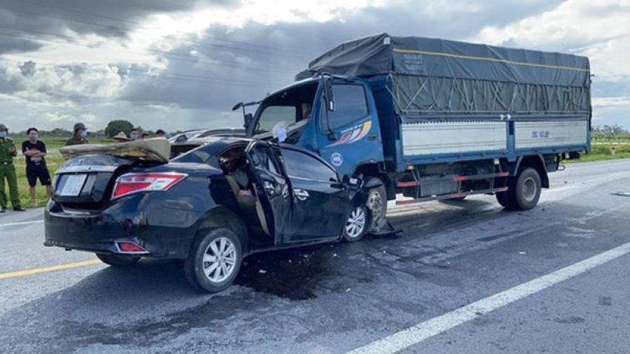 Hưng Yên: Xảy ra va chạm tai nạn giao thông nghiêm trọng khiến 3 người tử vong