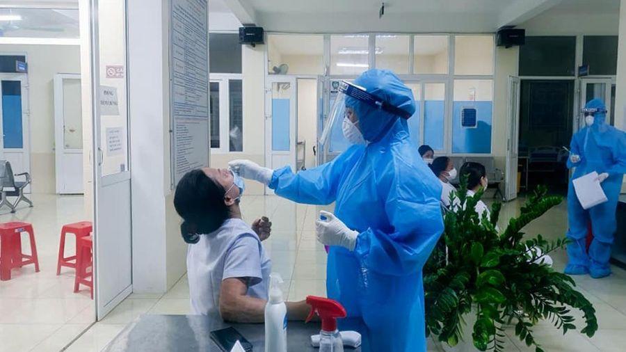Tạm thời giãn cách một số khu vực ở TP Vinh liên quan cô gái làm tóc mắc Covid-19