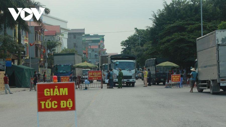 Đình chỉ Chủ tịch xã An Bình, Bắc Ninh ký giấy cho dân đi chợ trong vùng dịch