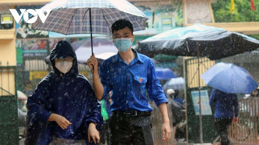 Nhìn lại 'kỳ thi vào lớp 10 đặc biệt' trong dịch bệnh và mưa bão tại Hà Nội