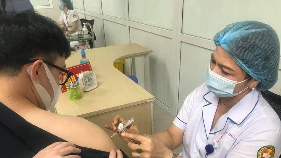 Tiêm vaccine COVID-19 phải sốt, đau người mới sinh kháng thể: Chuyên gia nói gì?