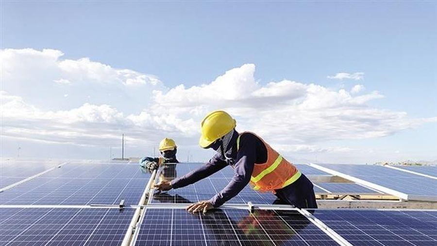 Tọa đàm 'Thừa điện mặt trời: Giải pháp nào đảm bảo quyền lợi chính đáng của DN?'