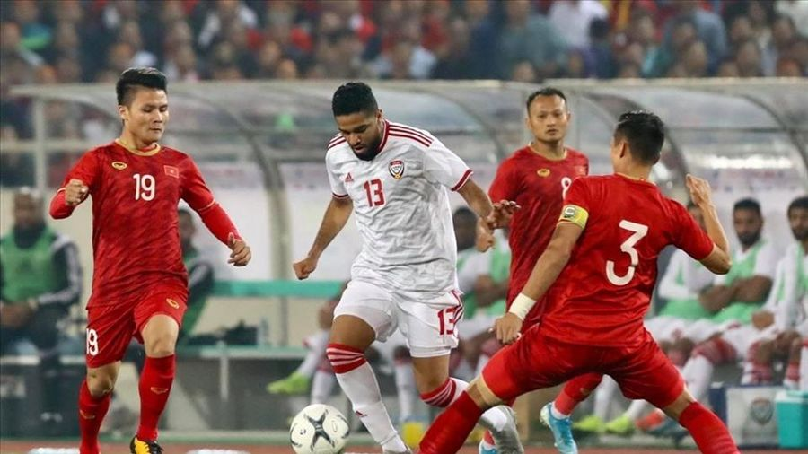 Bị đánh giá thấp hơn nhưng Việt Nam thắng UAE 2-0!