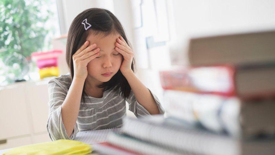 Thế hệ trẻ Trung Quốc 'nằm yên' vì bị ép học quá nhiều