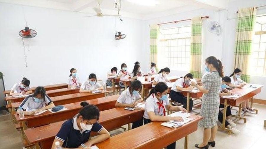 Trường chuyên đầu tiên ở phía Nam công bố điểm chuẩn vào lớp 10
