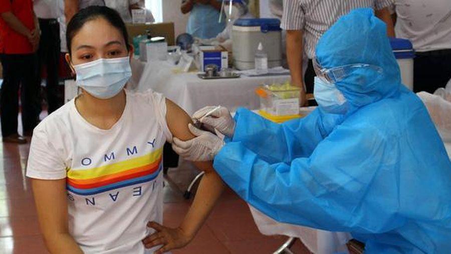 Bộ Y tế yêu cầu đẩy nhanh tiến độ tiêm vắc-xin Covid-19, hoàn thành trước 18-6