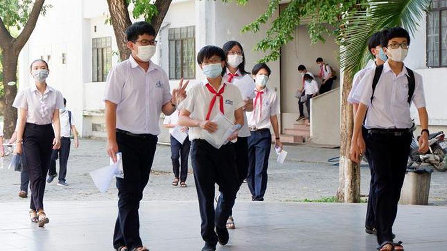 Thí sinh Đà Nẵng thở phào với đề thi môn Ngoại ngữ lớp 10