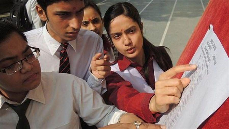 Ấn Độ hủy kỳ thi đại học trong tranh cãi