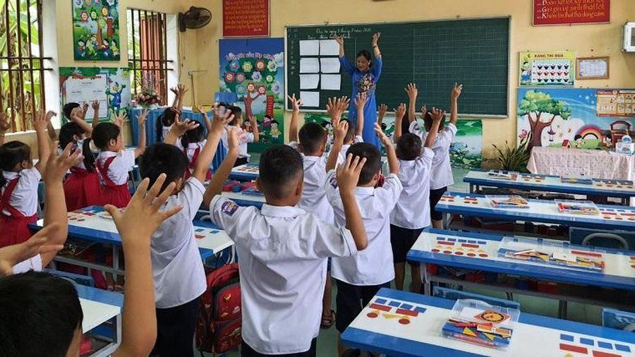 Bồi dưỡng chức danh nghề nghiệp giáo viên trong khi chờ hướng dẫn: Nên hay không?