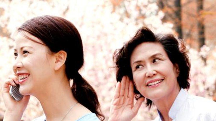 Truyện cười: Linh cảm mẹ chồng