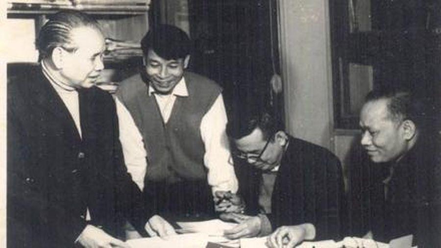 Đại sứ Nguyễn Khắc Huỳnh: Nhà phân tích chính trị ngoại giao tài ba