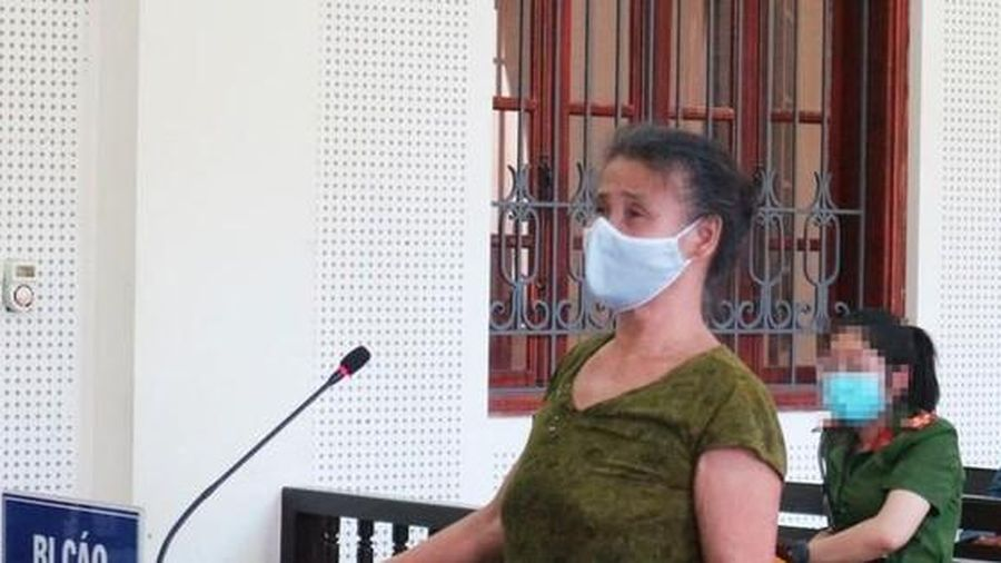 Người đàn bà 62 tuổi dùng dây thừng siết cổ chồng đến tử vong