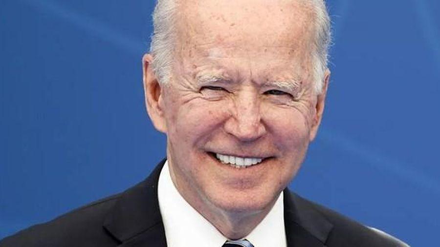 Ông Biden bất ngờ gọi ông Putin là 'đối thủ xứng tầm'