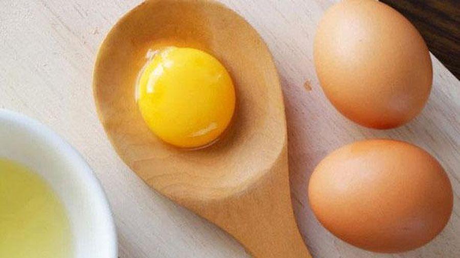 Chỉ cần 1 quả trứng gà da đẹp như em bé