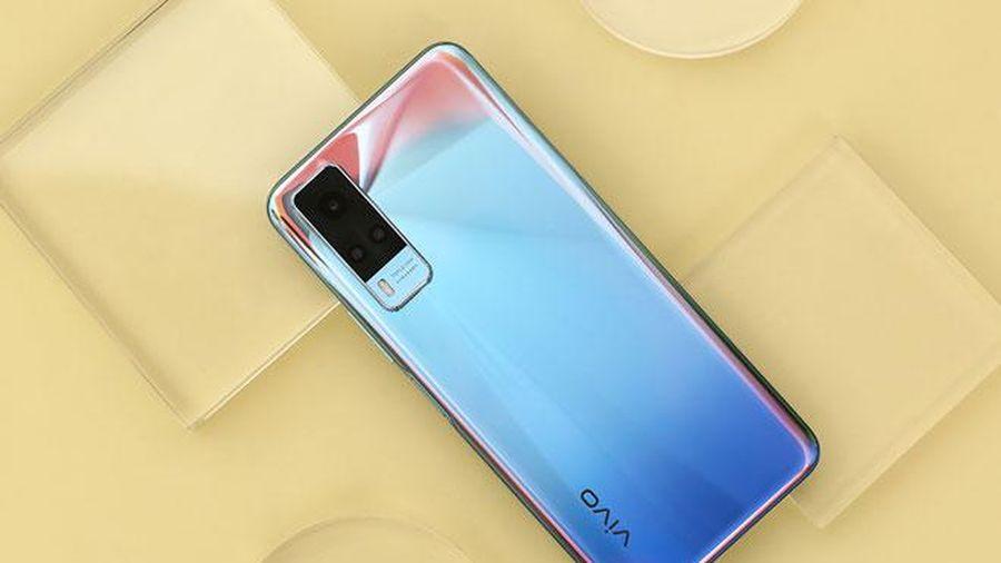 Smartphone RAM 8 GB, pin 5.000 mAh, sạc 33W, giá 6,99 triệu đồng tại Việt Nam
