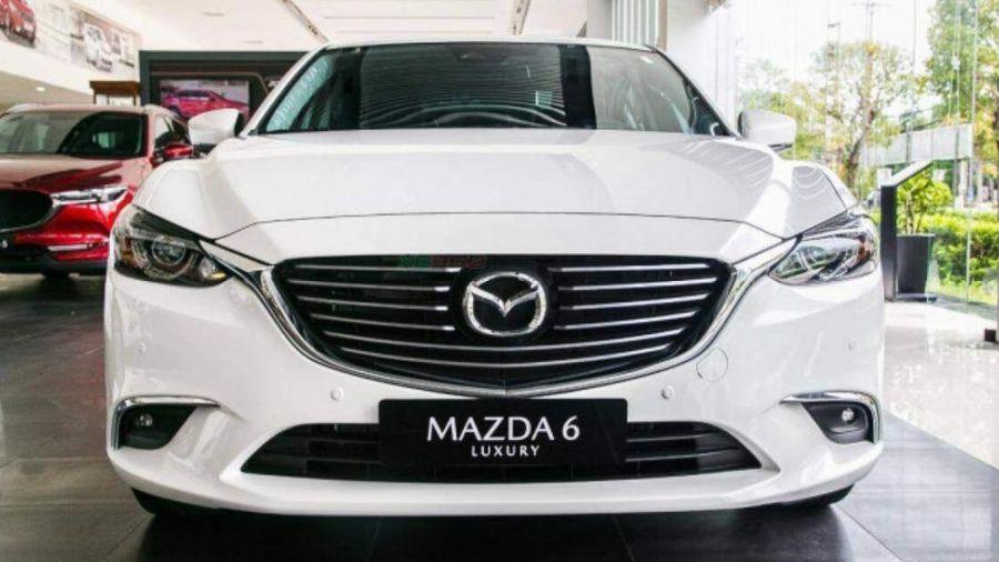Mazda6 giảm giá kịch sàn, giá ngang Hyundai Elantra