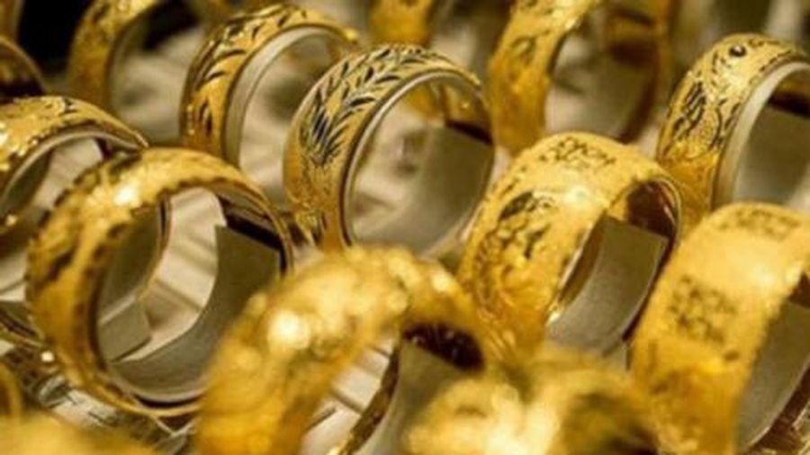 Giá vàng hôm nay ngày 15/6: Giá vàng trong nước giảm sốc, giá vàng thế giới đang trên đà hồi phục