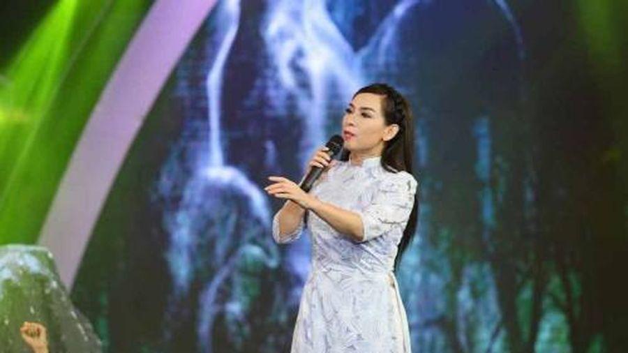 Phi Nhung lại tiếp tục bị bóc phốt: Đi hát từ thiện và hát ở chùa vẫn đòi tiền cát-xê