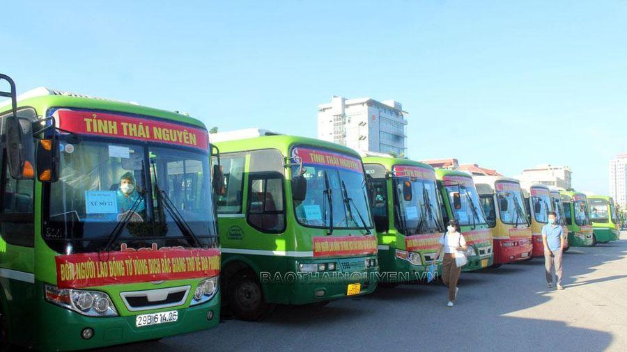 Khởi hành 31 chuyến xe đón người lao động từ vùng dịch về địa phương