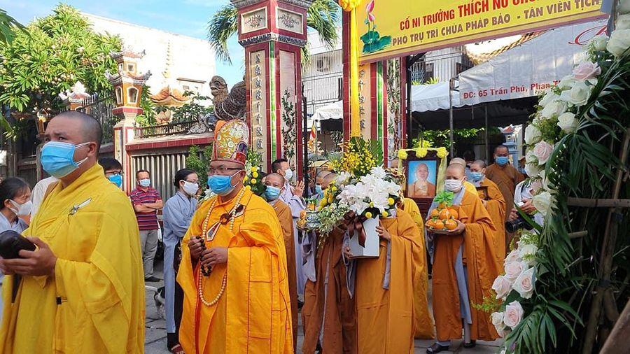 Bình Thuận: Truy niệm, cung tống kim quan Ni trưởng Thích nữ Chơn Châu trà-tỳ
