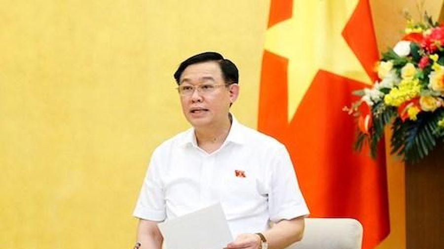 Chủ tịch Quốc hội: Rủi ro lỗi nhịp với kinh tế thế giới đang hiện hữu