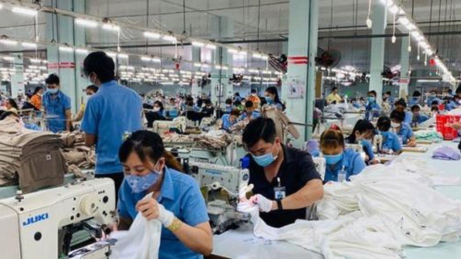 Khẩn trương ban hành chính sách hỗ trợ khó khăn cho công nhân và doanh nghiệp