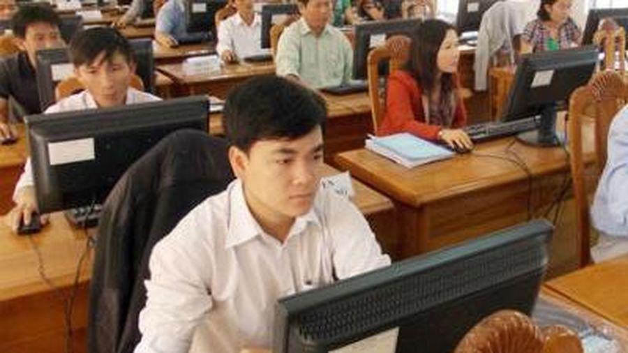 Bỏ yêu cầu chứng chỉ tin học, ngoại ngữ đối với công chức hành chính, văn thư