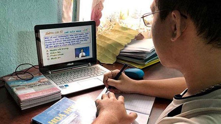 Thành phố Hồ Chí Minh gặp khó khi tổ chức kỳ thi vào lớp 10