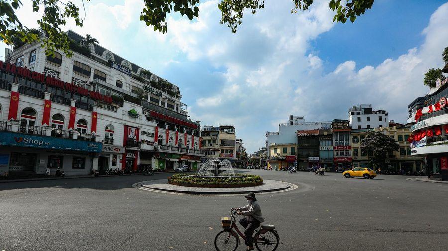 'Nới lỏng một số dịch vụ ở Hà Nội là rất cấp thiết'