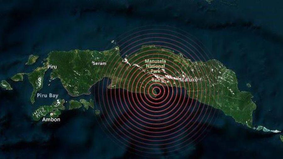 Động đất ở Indonesia, người dân sơ tán vì nguy cơ sóng thần