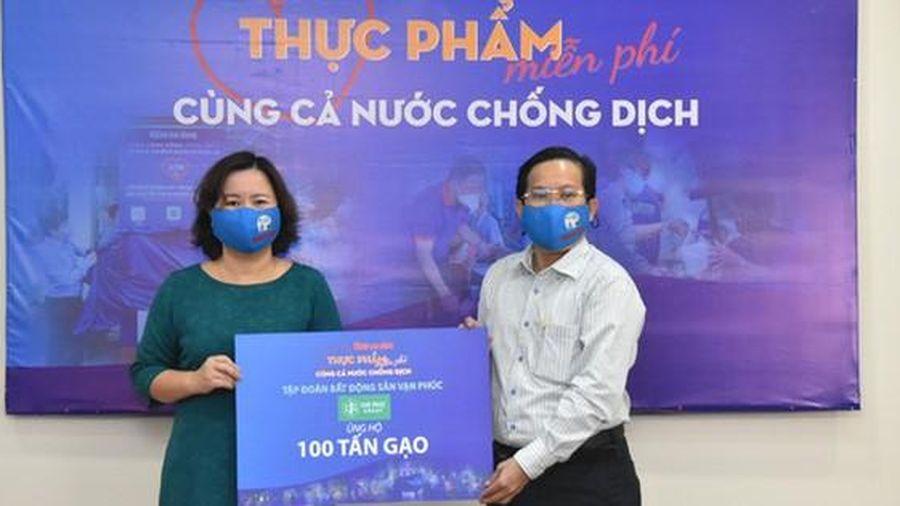 Tập đoàn Bất động sản Vạn Phúc ủng hộ 100 tấn gạo và 2.000 quần áo bảo hộ phòng, chống dịch Covid-19