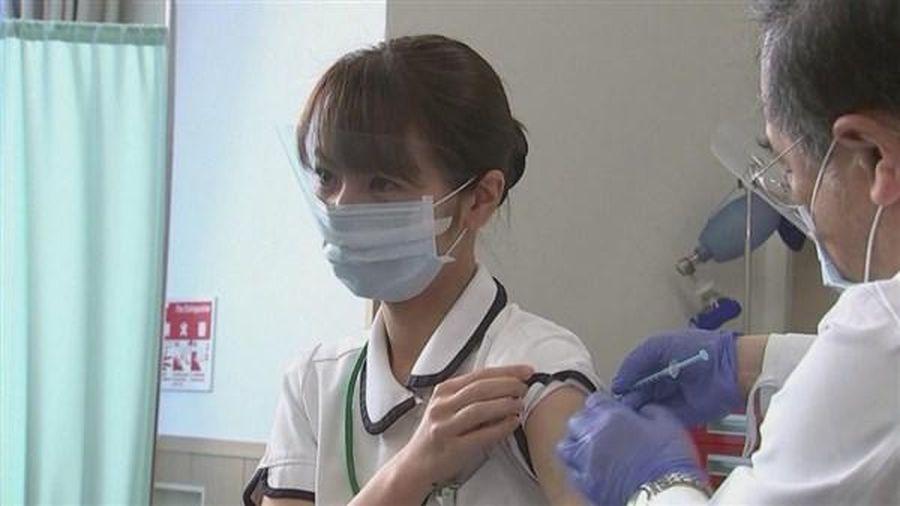 Nhật Bản đẩy nhanh tiêm vắc-xin cho sinh viên đại học