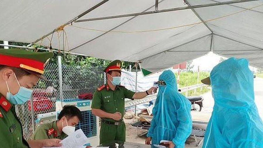 Thủ tướng tặng bằng khen 14 tập thể, cá nhân tiêu biểu chống dịch COVID-19 tại Bắc Giang