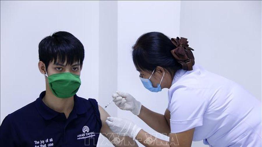 Lào cấp chứng nhận tiêm chủng vaccine cho người muốn xuất cảnh