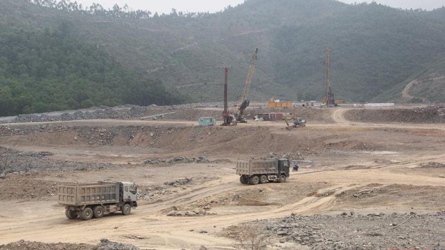 Tìm hướng tháo gỡ khó khăn, vướng mắc cho Tổ hợp Dự án Nhà máy Xi măng Đại Dương