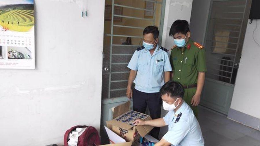 Phát hiện lực lượng kiểm soát Hải quan, đối tượng vận chuyển bỏ lại 1.700 gói thuốc lá điếu