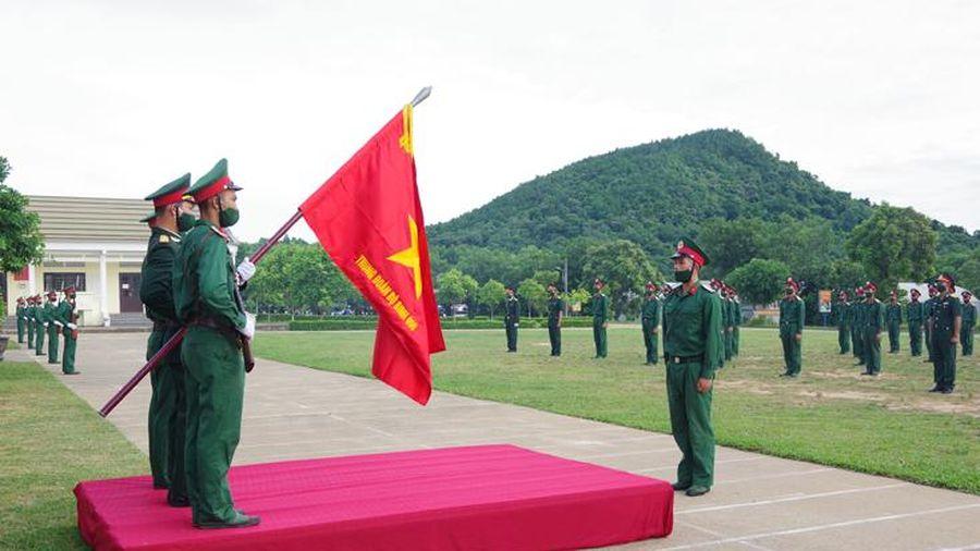 Tổ chức lễ tuyên thệ chiến sỹ mới năm 2021