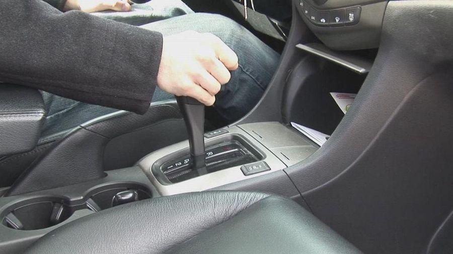 Các thói quen hay làm hại hộp số xe ô tô