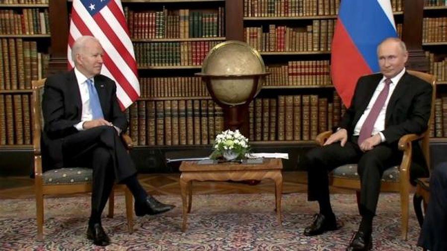 Ông Putin và ông Biden gần như tránh nhìn nhau trong cuộc hội đàm đầu tiên