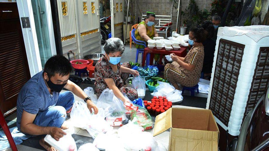 TP.HCM: Đạo tràng Ommani tặng 400 phần cơm cho khu vực bị phong tỏa