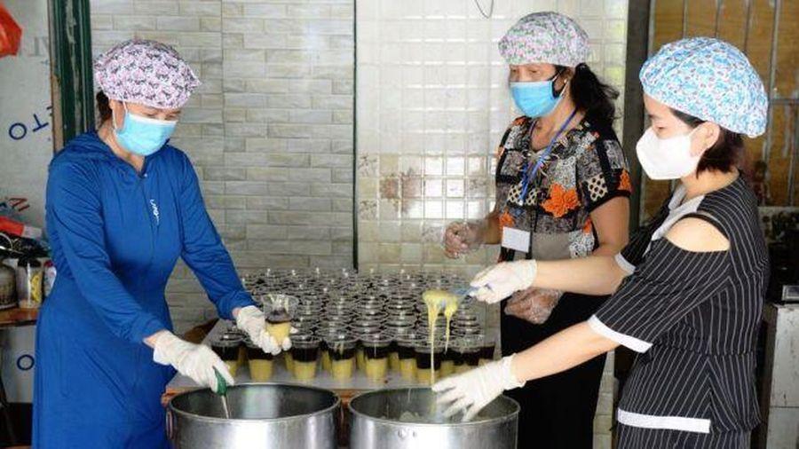 Bắc Giang: Chi hội phụ nữ Tổ dân phố 2 Thị trấn Bích Động (Việt Yên) chung tay ủng hộ phòng, chống dịch Covid-19.