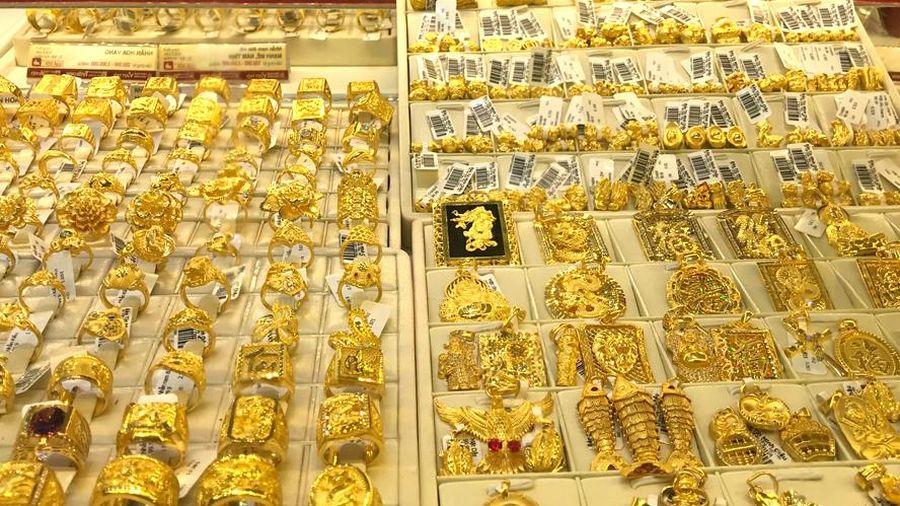 Giá vàng giảm xuống mốc 57 triệu đồng/lượng