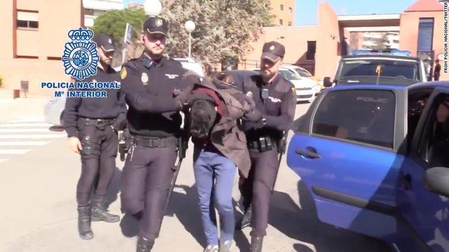 Tây Ban Nha: Hơn 15 năm tù cho một thanh niên sát hại, phân xác mẹ ruột