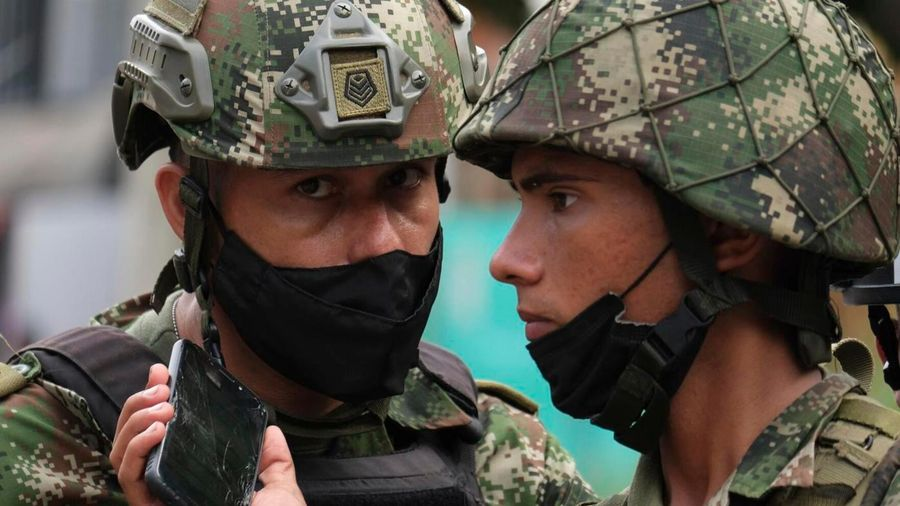 Đánh bom xe tại căn cứ quân đội Colombia, 36 người bị thương