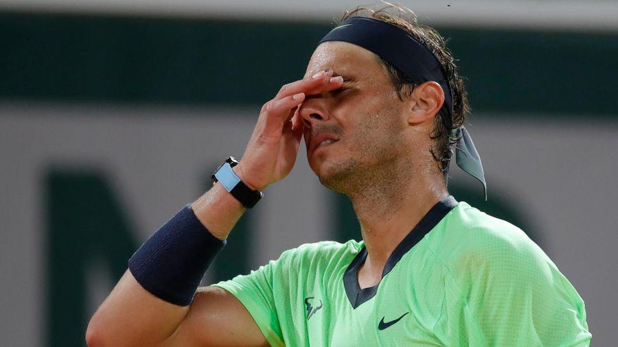 Nadal rút khỏi Wimbledon và Olympic Tokyo