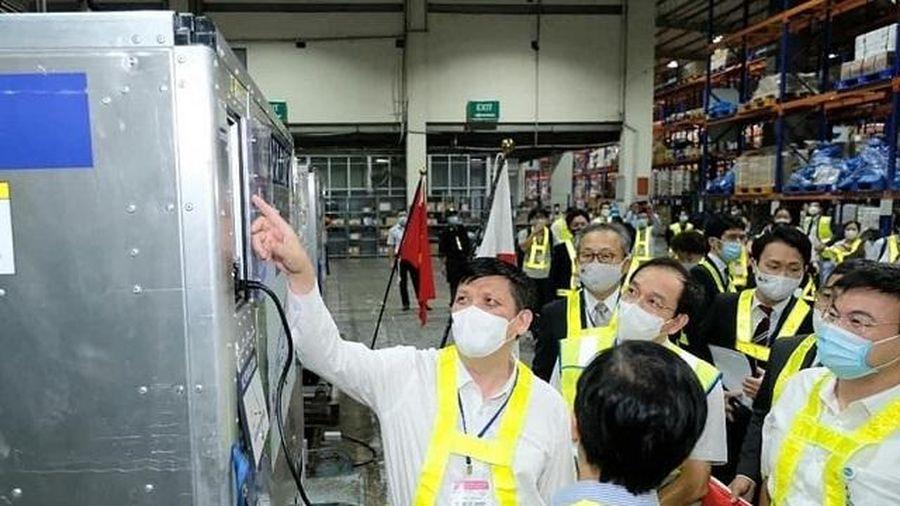 Gần 1 triệu liều vaccine phòng Covid-19 của Nhật Bản tặng đã về đến Việt Nam tối 16/6