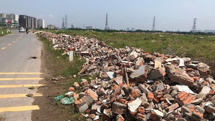 Hà Nội: Rác thải xây dựng vẫn bị đổ trộm tràn lan