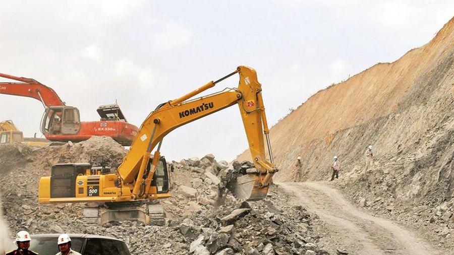 Áp dụng cơ chế đặc thù, gỡ vướng về vật liệu dự án đường cao tốc bắc - nam