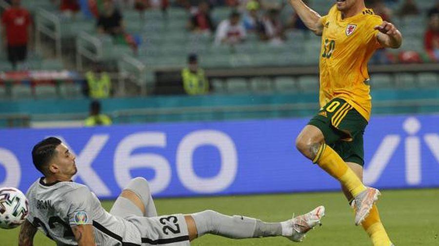 Gareth Bale sút hỏng penalty, xứ Wales vẫn hạ Thổ Nhĩ Kỳ